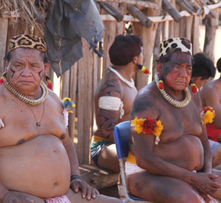 Kuikuro tribe members